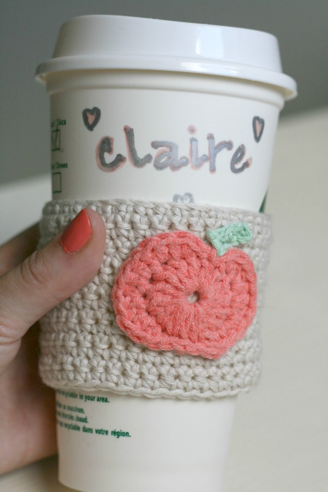 crochet-pumpkin-coffee-sleeve
