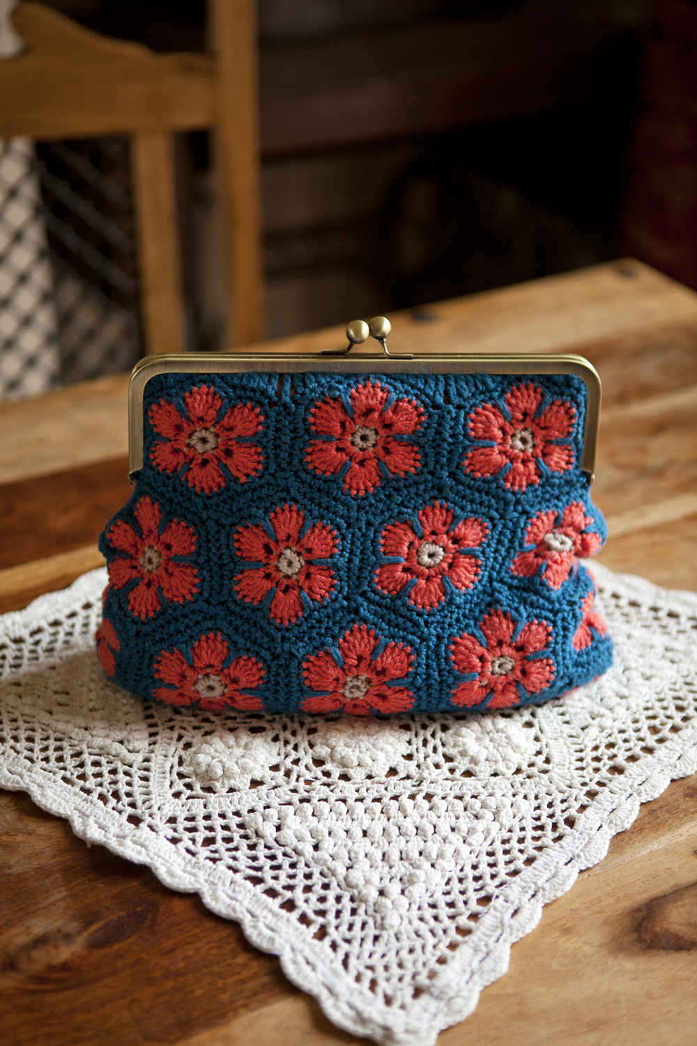 Crafty magazine issue 8 crafty magazine african flowers retro clutch purse kat bankloansurffo Gallery