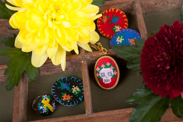 Crafty-Magazine-Day-of-the-Dead-cross-stitch-jewellery