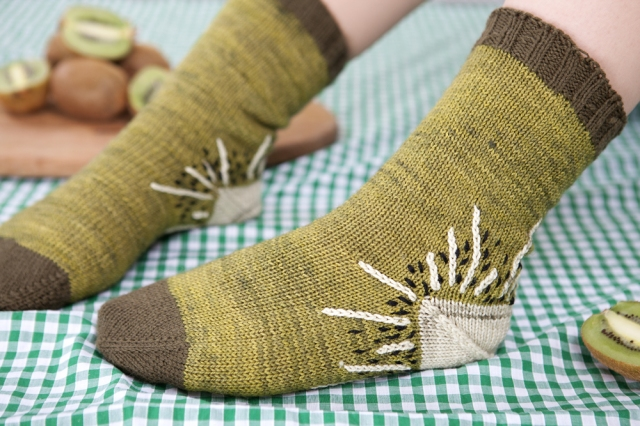 Crafty-Magazine-Knitted-Kiwi-Socks