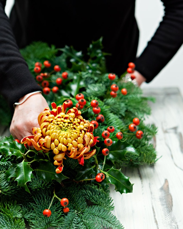 DIY-Christmas-Wreath-Step 3- Add chrysanthemum blooms