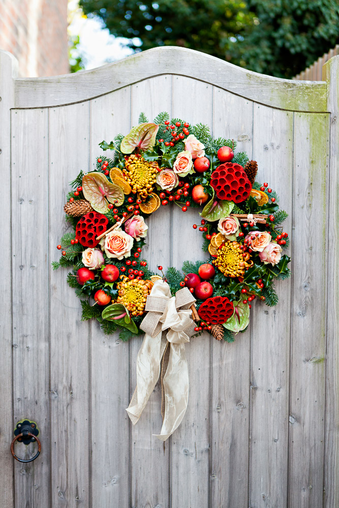 How to make a traditional christmas wreath for How to make christmas door wreaths